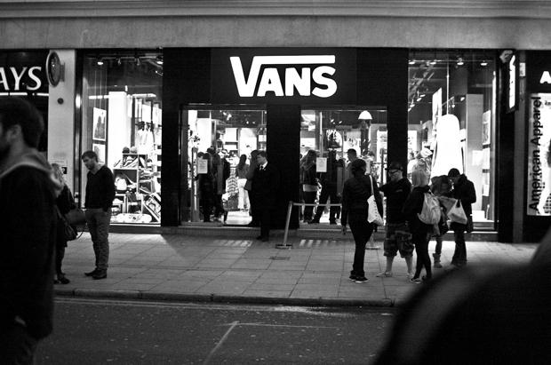 4201410513 Recap  Vans Camden Store Opening