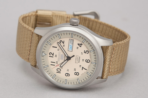 Seiko-5-Series-Made-in-Japan-Military-Watch-04