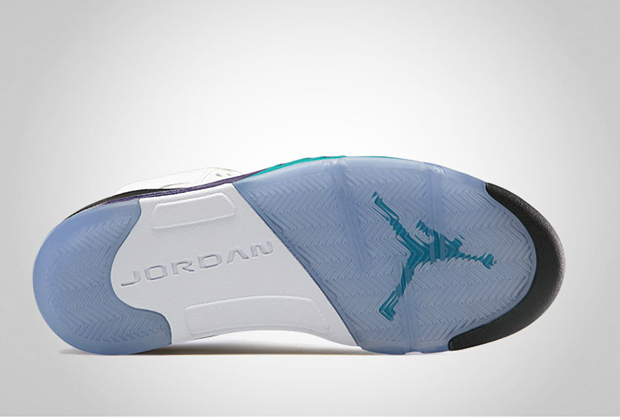Air-Jordan-V-Grape-2013-Retro-02