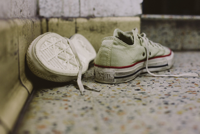 473694f7d491 ... Converse Well Worn Collection white shot by The Daily Street 02 ...