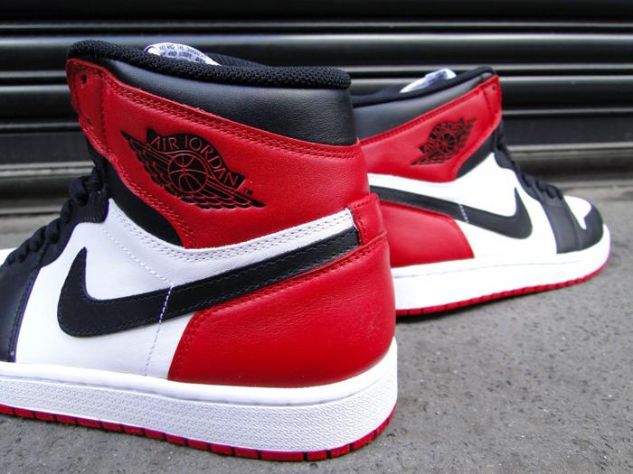 Air-Jordan-1-Hi-OG-Retro-Black-Toe-03