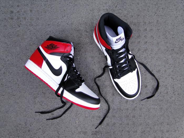 "ab967e6529b Air Jordan 1 Hi OG Retro ""Black Toe"""
