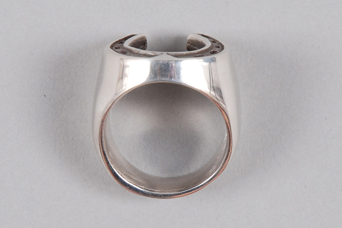 Dog State Silver Mens Horse Shoe Ring 02