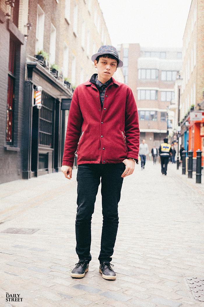 Street-Style-The-Daily-Street-Supreme-Comme-des-Garcons-London-Carnaby-2013-01