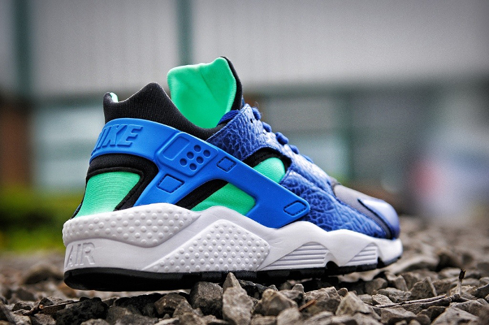 Nike-Air-Huarache-LE-size-exclusives-2013-5 (1)