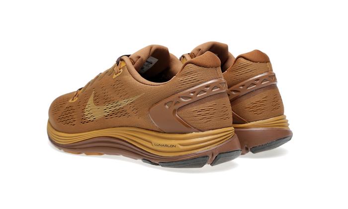 Nike-Undercover-Gyakusou-AW13-Footwear-03