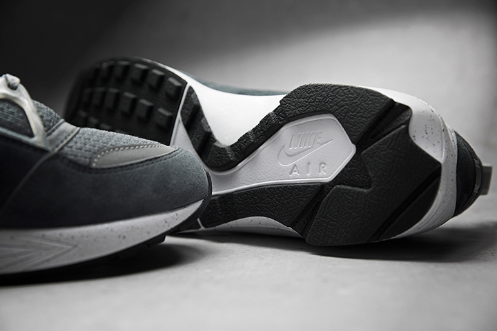 Footpatrol Nike Huarache Light Concrete 010