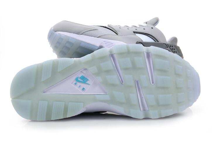 Nike-Hurache-Run-Wolf-Grey-2