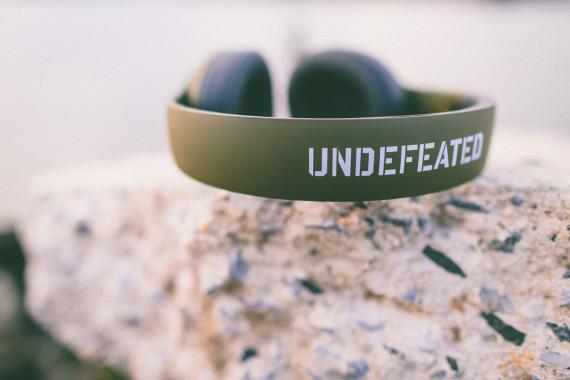 undefeated-beats-by-dre-studio-headphones-04-570x380