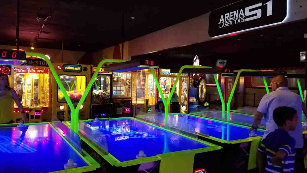 Main Event Air Hockey