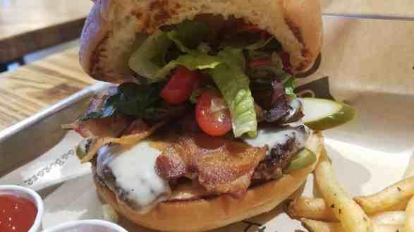 Dugg Cheeseburger