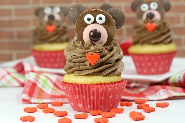Valentine's Day Bear Cupcakes
