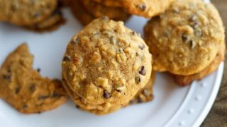 Chewy Pumpkin Oatmeal Chocolate Chip Cookies