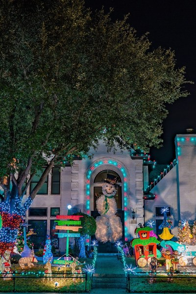 Where to View Christmas Lights In Dallas