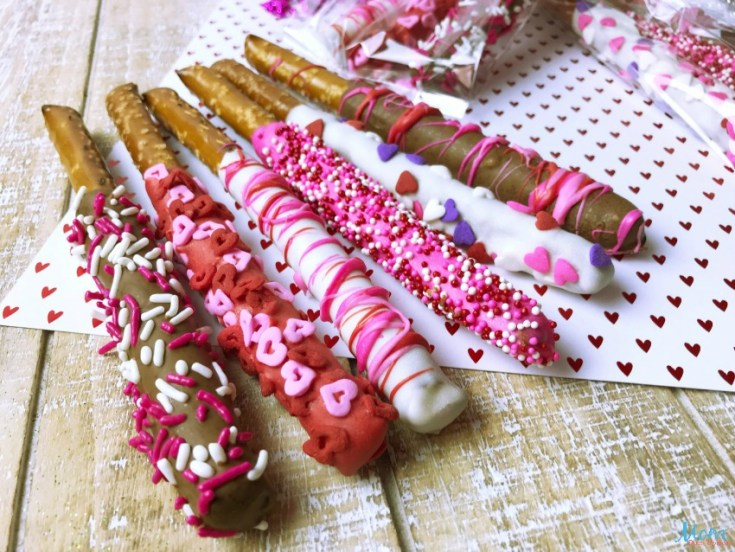Super Cute Valentine's Day Pretzel Rods #Sweet2019