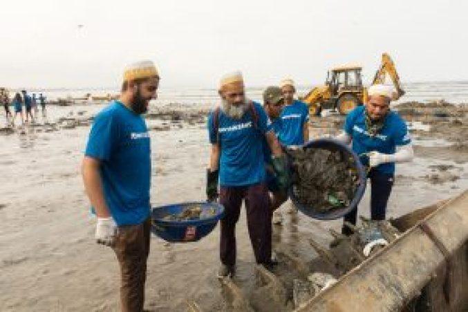 Dawoodi Bohras, Beach Cleanup, Versova Beach, Environment, Plastic Pollution
