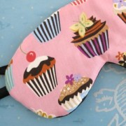 Sleep mask with cupcake fabric