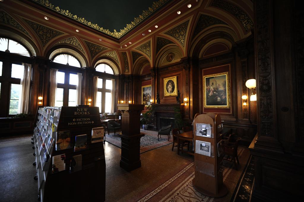 robbins library arlington