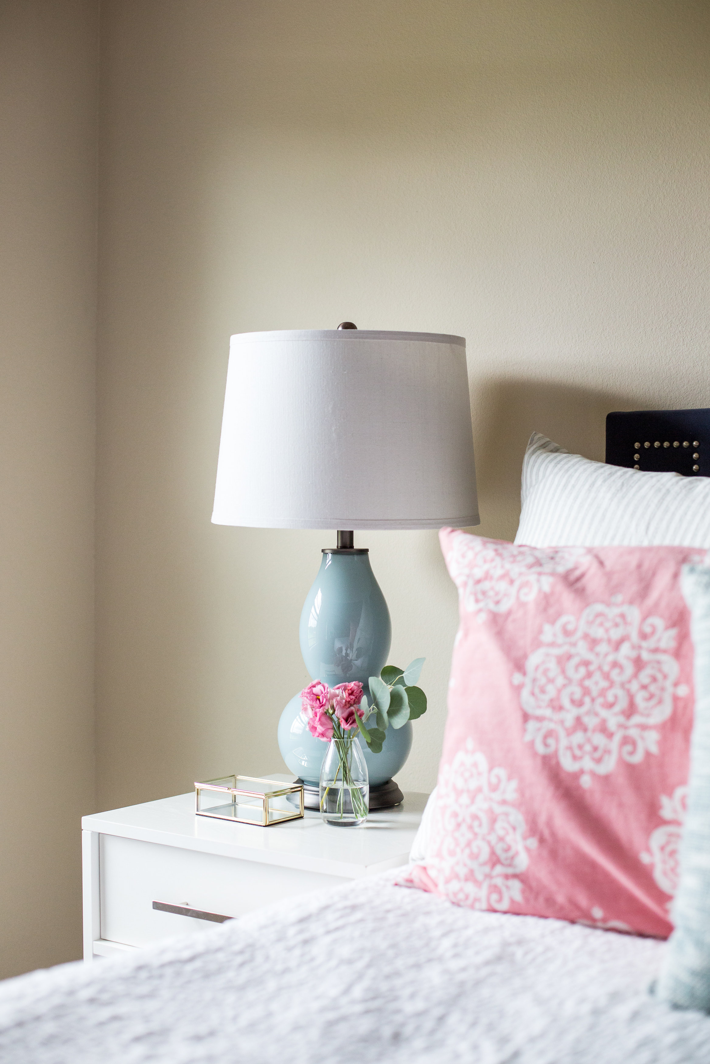 4 Tips For A Relaxing Bedroom And A Client Project