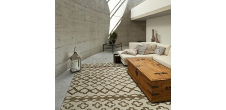 Add the Perfect Decorator Touch With an Area Rug