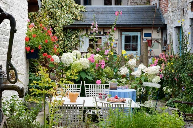 4 Tips for Utilizing a Small Garden Space - The Dedicated House