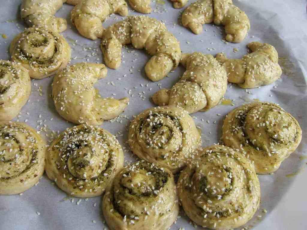 zaatar-and-parmesan-cheese-bread-rolls-prep