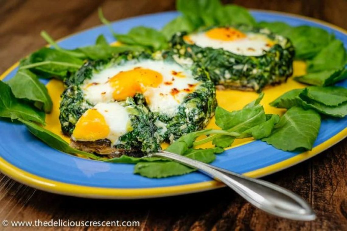 Spinach Kale Egg Mushroom Birds Nests - a nourishing, filling, low carb, super tasty egg and veggie dish loaded with protein, fiber, potassium.
