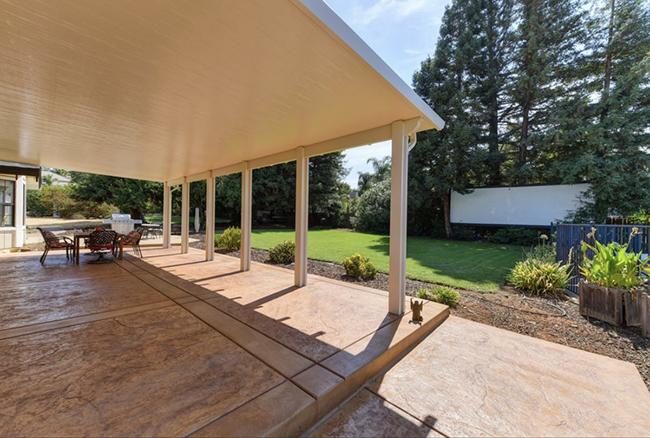 The Design Confidential and The Blonde Birch Farm