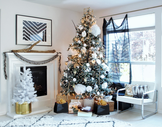 Oh christmas tree easy diy tree flocking without the mess the the design confidential oh christmas tree diy tree flocking without the mess solutioingenieria Images