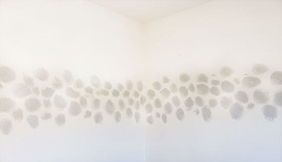 Expand Circle Area for DIY Faux Watercolor Wallpaper Wall Treatment with Paint
