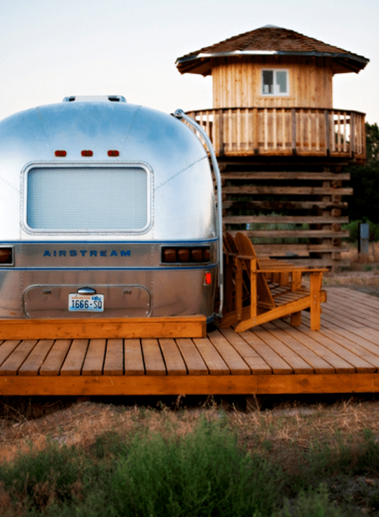 Vintage Refurbished Airstream for One Last Hurrah + a Fall Favorite // The Art of Glamping