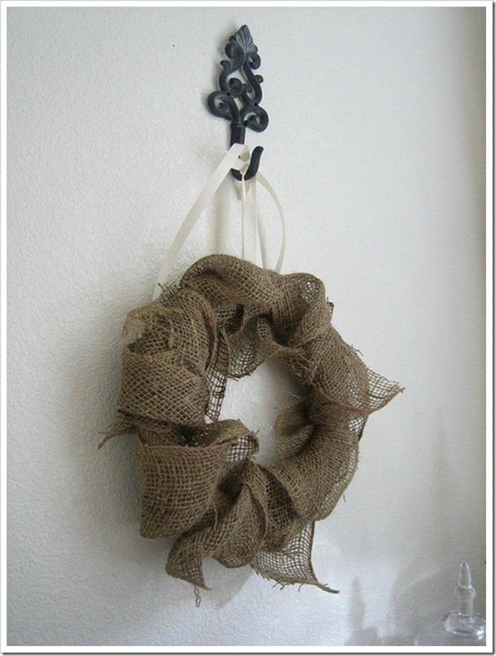 The Design Confidential DIY Coastal Chic Burlap Wreath