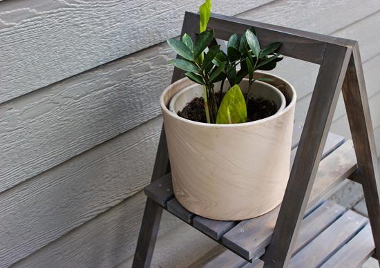 Top Rung Close Up for Real Reader Build at The Design Confidential Builders Showcase // Chic Little House A Frame Plant Stand
