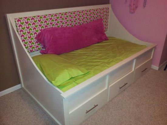 An Ann Marie Daybed For Ryan The Design Confidential