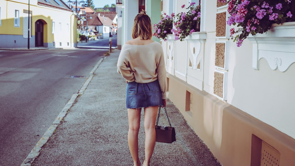 thediaryofbianca Beitragsbild_Outfit_Jeansrock-oversized-Pullover-Vans-2