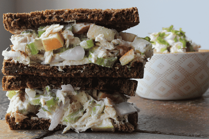 Healthy tuna fish salad sandwich recipe by The Diet Chef. This Low Fat Tuna Salad recipe is perfect for meal prep #MealPrep #Tunasalad #HealthySalad
