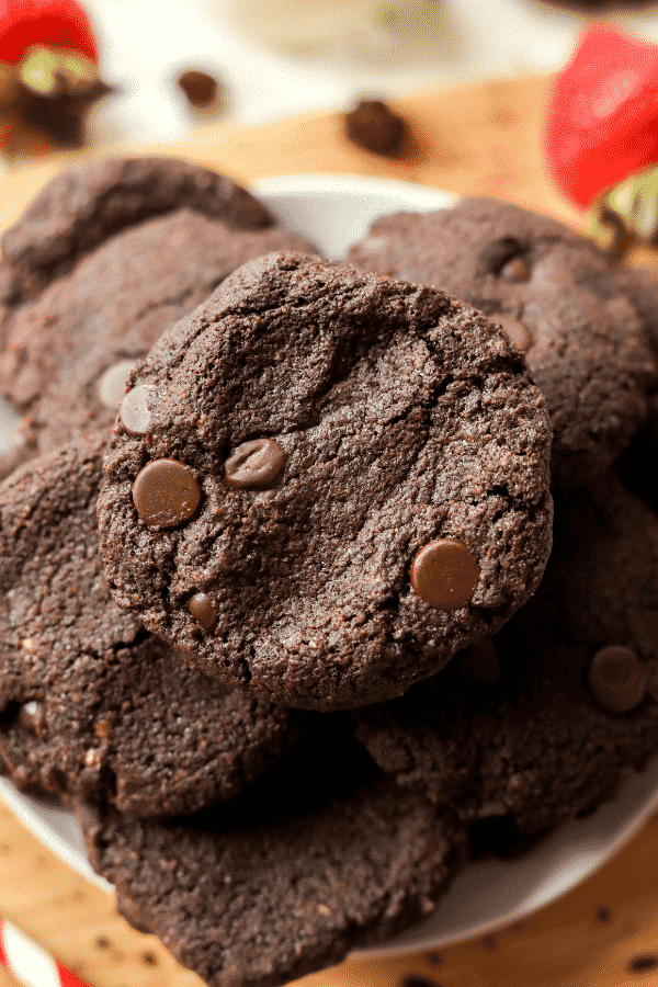 Chocolate keto cookies | The, BEST, Easy, Low Carb CHOCOLATE COOKIE RECIPE