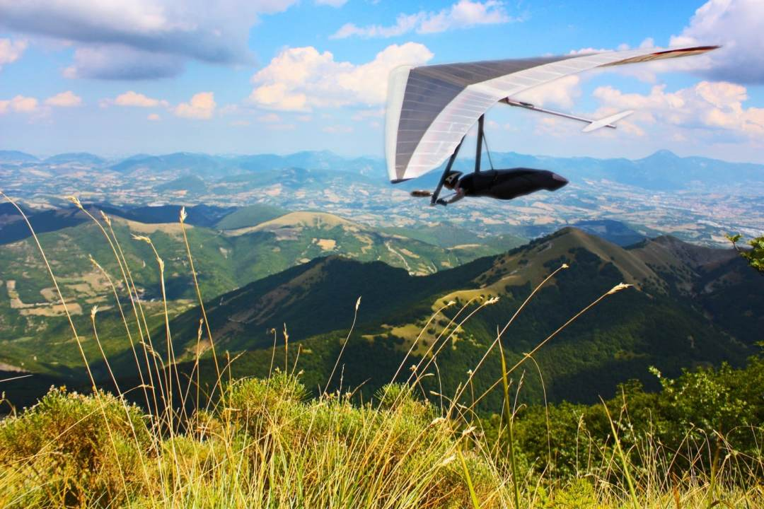 Handgliding in Monte Cucco National Park