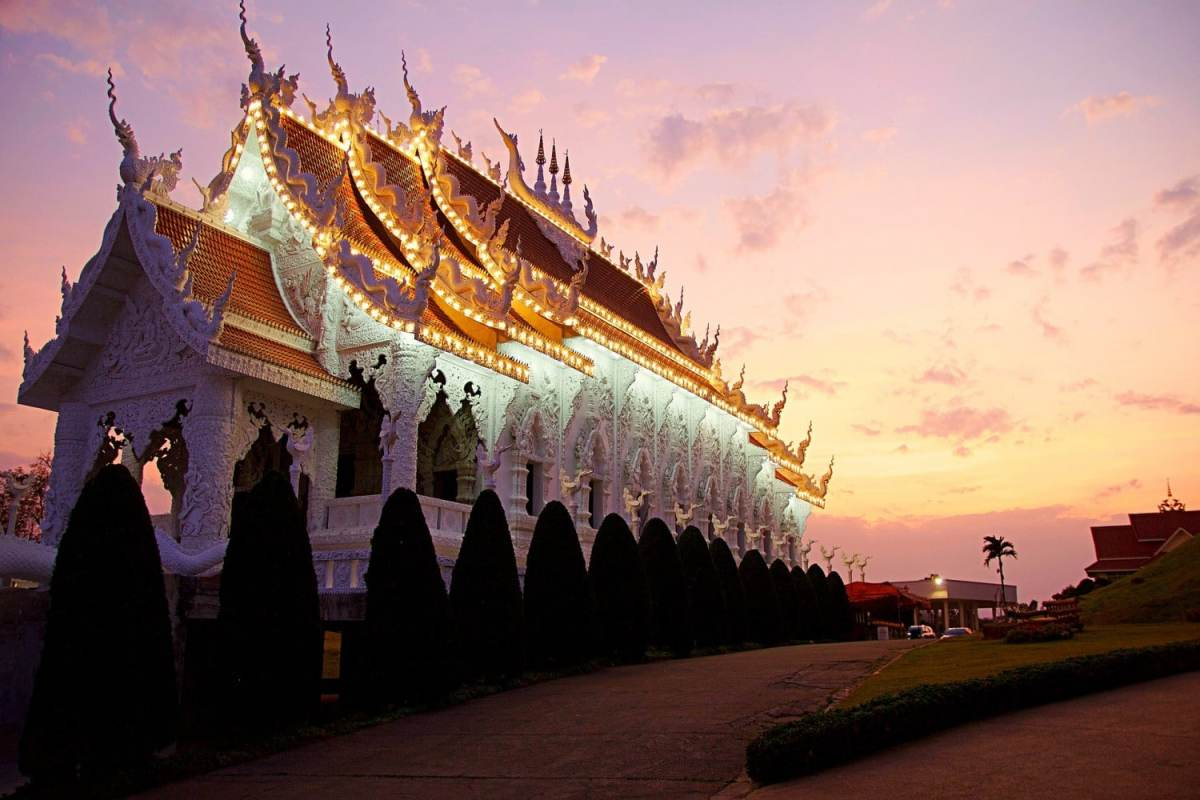 Chiang Rai, Thailand. Four awesome Southeast Asia travel itineraries I Photography I Itinerary I Landscape I Food I Architecture I Laos I Thailand I Cambodia I Myanmar I Malaysia I Vietnam. Read the full travel guide now #travel #backpacking