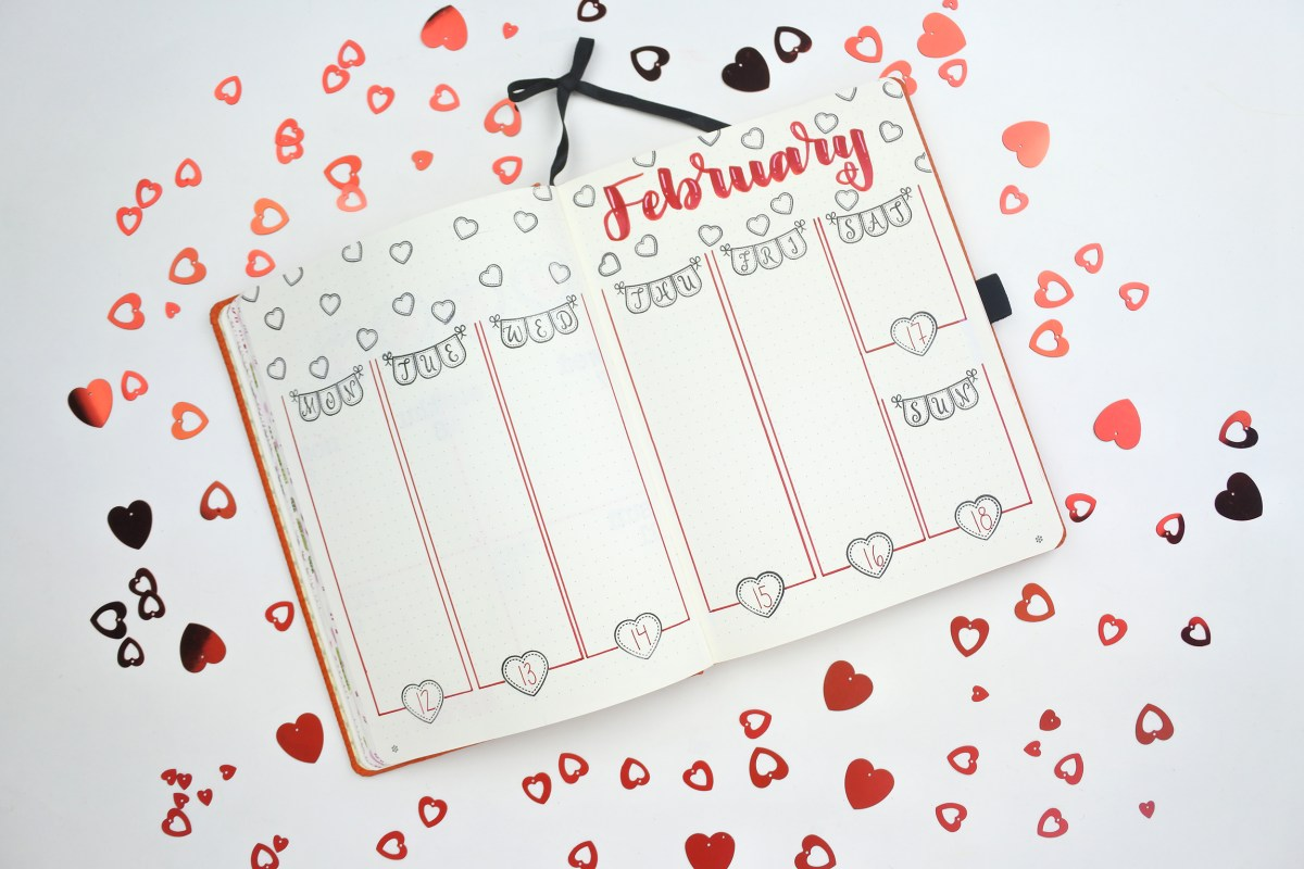 Bullet Journal Love and Hearts by www.thediyday.com @thediyday