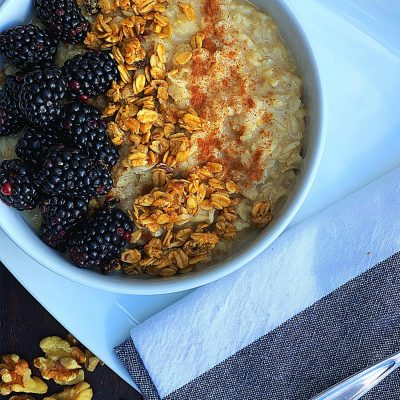 Blackberry Cobbler Oatmeal Bowl