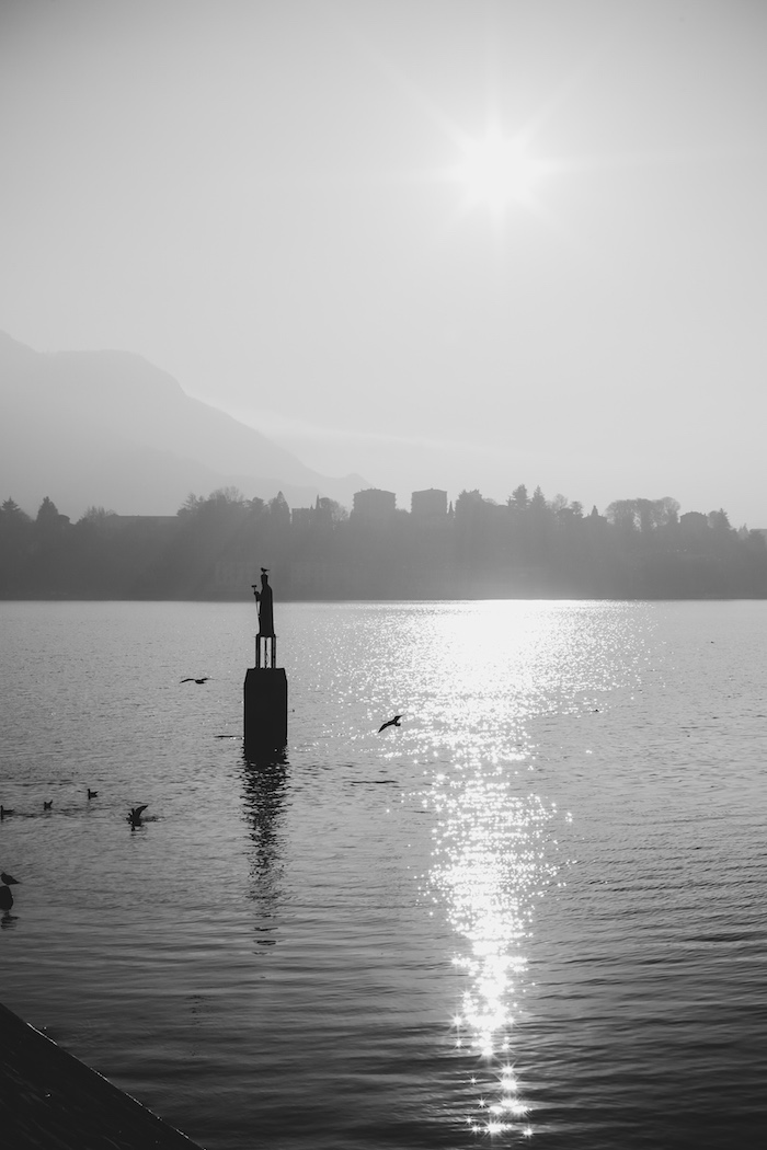 lake lecco black and white