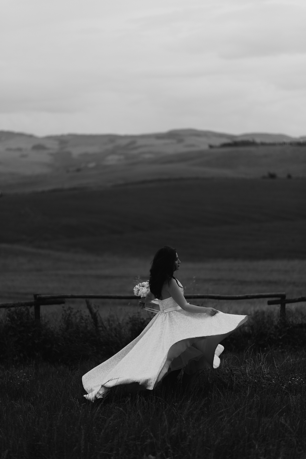 Fashion Blogger Wedding Tuscany black n white