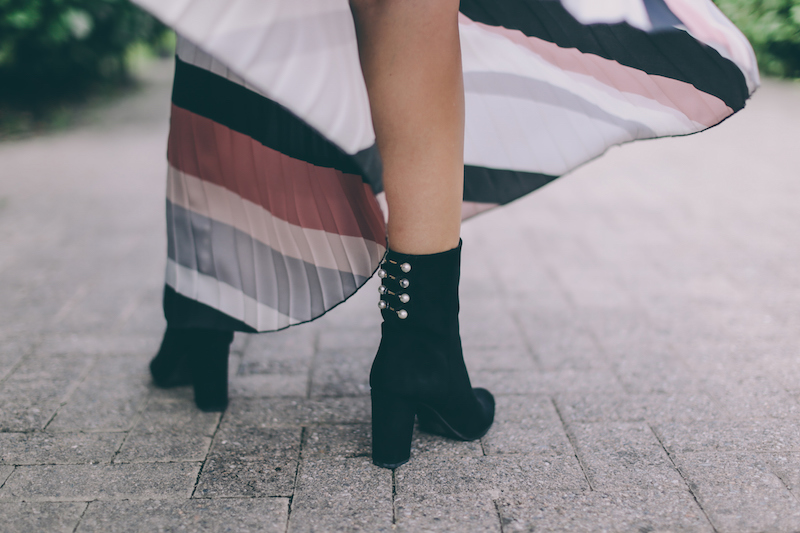 what-for-boots-with-pearls-thedollsfactory