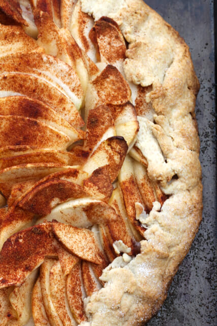 Autumn Apple Galette | thedomesticblonde.com