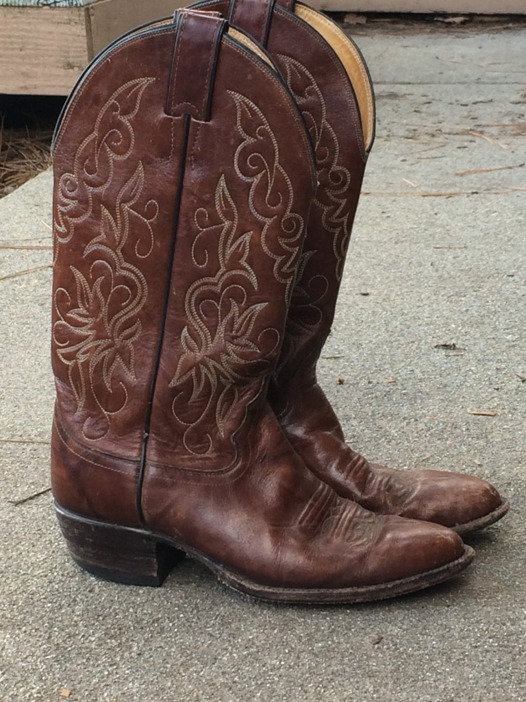 guide to buying vintage cowboy boots!