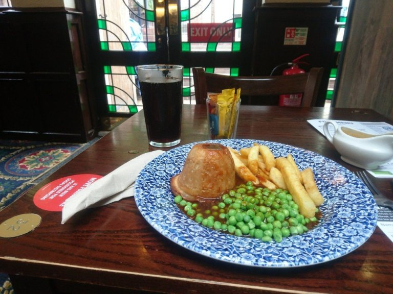 Pubs Re-Opening: A Great British Class Attack.