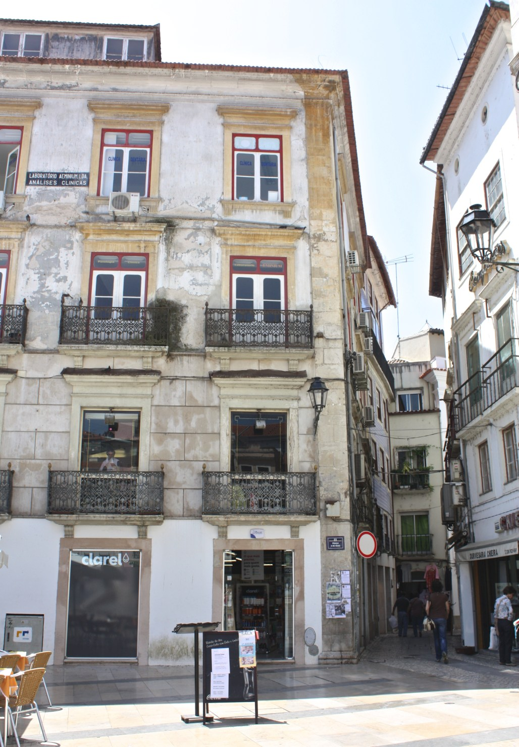 Traveling to...the academic history + intrigue of Coimbra