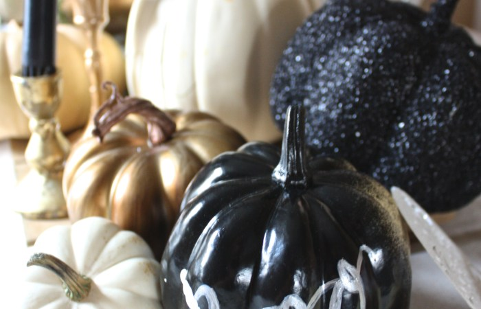 Sophisticated Black Halloween Details & Place Setting 101 : Casual Table