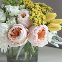 How to Care of Fresh Cut Flowers at Home & the Prettiest Colorful Floral Centerpiece DIY